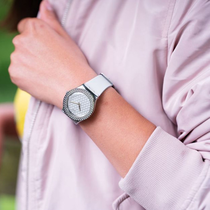 SWATCH – LOVLEY LILAC – YLS216 2